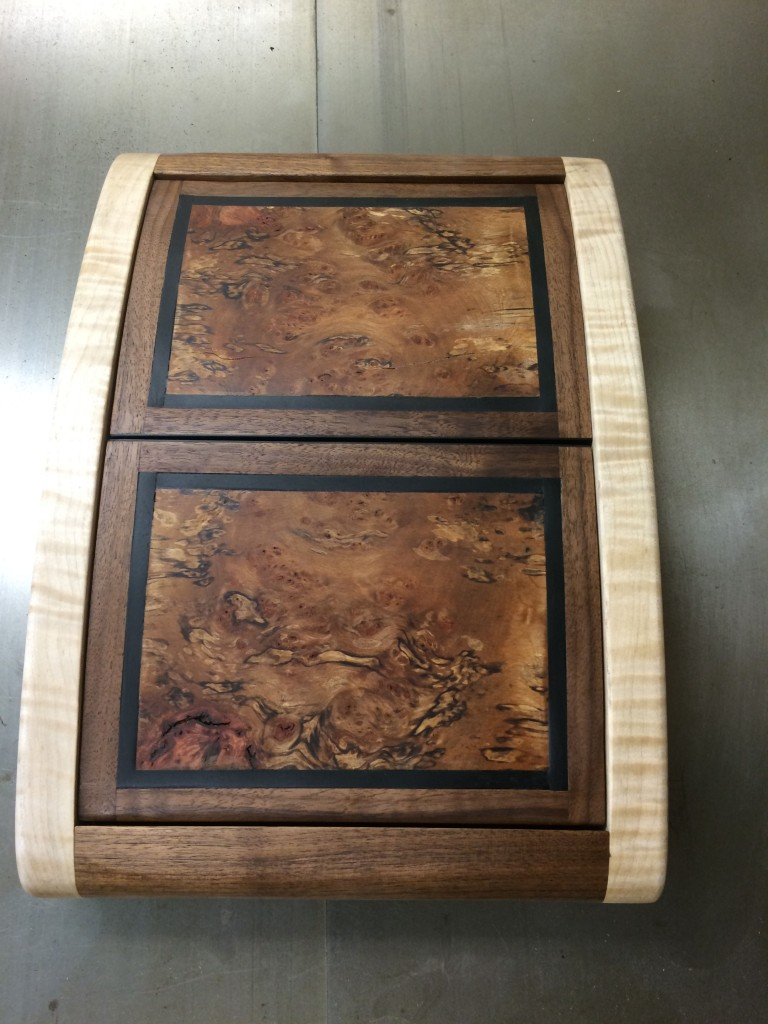 clamshell box1a