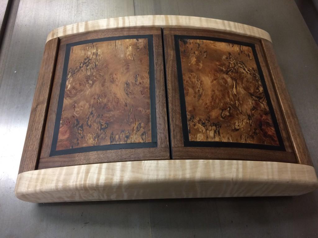 clamshell box1b