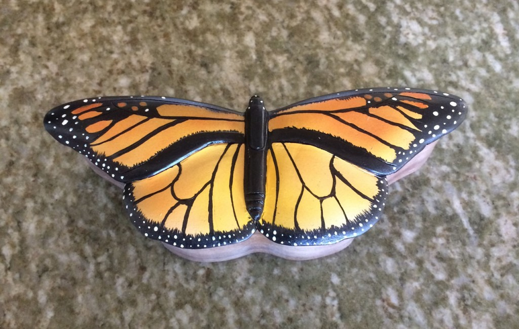 monarch-butterfly-box1a