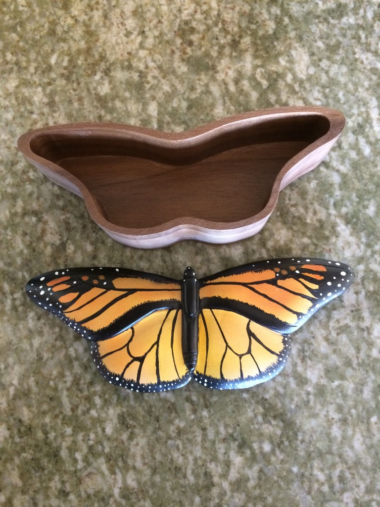 monarch butterfly box1b